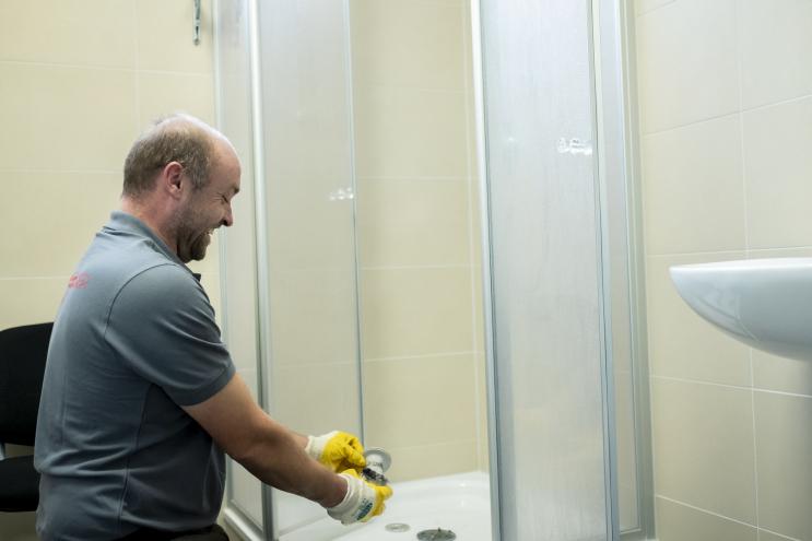 Abflusshilfsdienst - Reinigung Duschabfluss